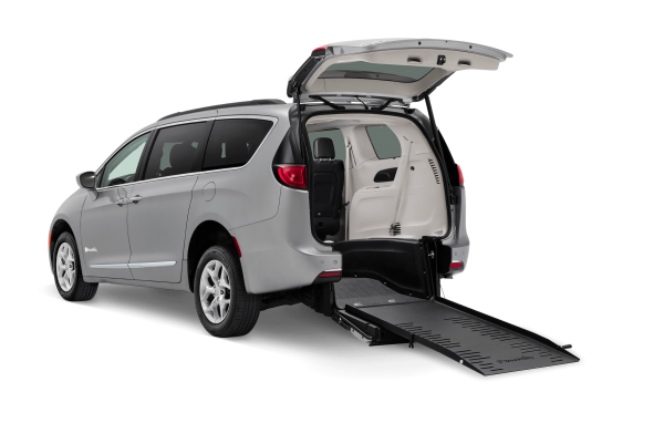 mini-van-rear-open-ramp-low